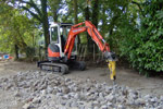 2.5 tonne mini digger with a pecker